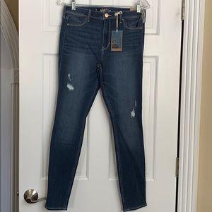 Hollister jean legging. High rise. Size 30 NWT